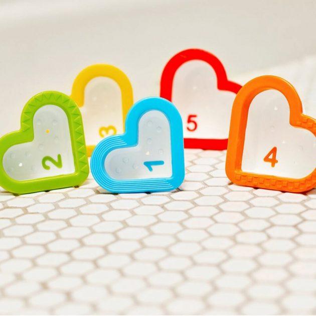 Munchkin fürdőjáték - Hearts™ / Szív alakú poharak (5db)